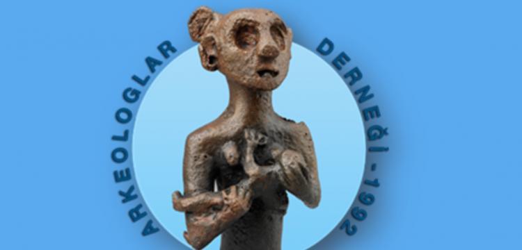 Arkeologlar Derneği Karabel Anıtı'nın tahribine dair basın açıklaması yaptı