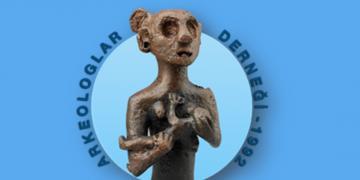 Arkeologlar Derneği Karabel Anıtının tahribine dair basın açıklaması yaptı
