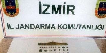 İzmirde bir kişi 34 parça tarihi eserle yakalandı