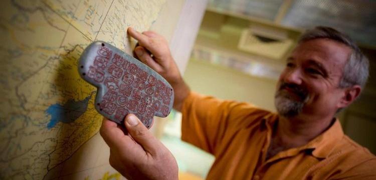 Maya Kralının yeşimtaşı kolyesi