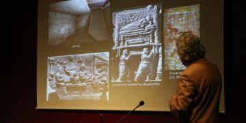 Prof. Dr. Fahri Işık: Hekatomnos lahdi heykeltraşlık şaheseri
