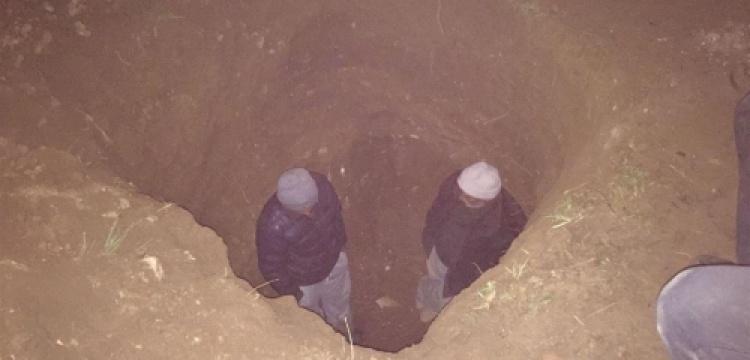 Defineciler kazdıkları tünelde yakanlandı
