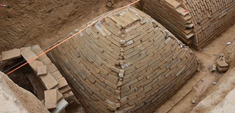 Çin'de 6 metrelik mini piramit bulundu