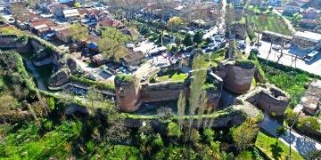 16 asırlık İstanbul surları restorasyon bekliyor
