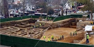 Beşiktaş Metro İnşaatındaki arkeolojik kalıntılar kaldırıldı