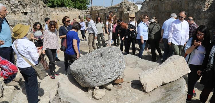 ICOMOS heyeti Misis Antik Kenti'nini gezdi