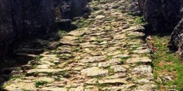Roma yoluna, mermer ocağı ruhsatı tepki çekti