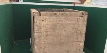 Firavun mezarında ahşap kutu bulundu