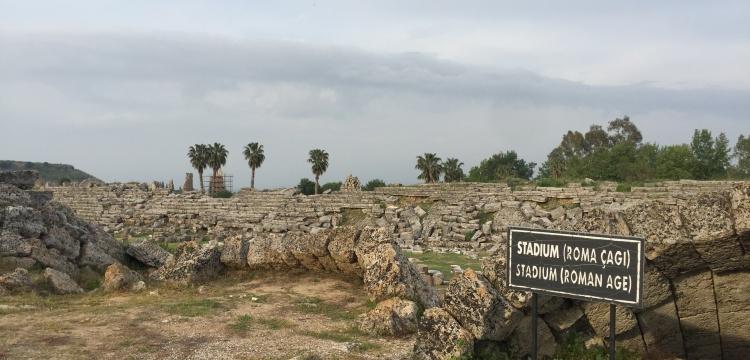 Perge Antik Stadyumu restore edilecek