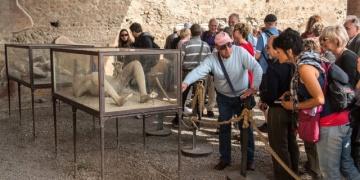 Pompeiinin lanetli çalıntıları sergilenecek