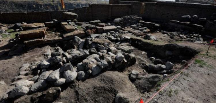 Ermenistan'da ortaçağ mezar taşları bulundu