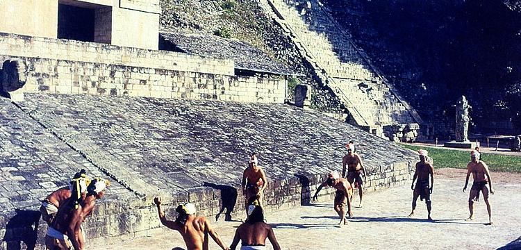 Arkeologlar, Azteklerin 'Ölüm Oyunu' pistini buldu
