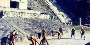 Arkeologlar, Azteklerin Ölüm Oyunu pistini buldu