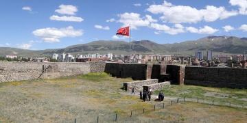 Erzurum Kalesinin iç kısmı da restore edilecek