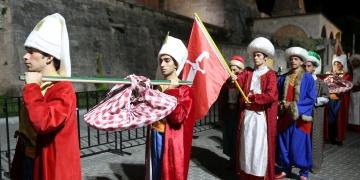 Sultanahmette 300 yıl sonra Baklava Alayı yapıldı