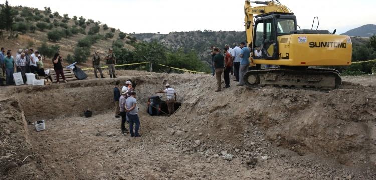 Arsuz'daki cami temelinden 4 Roma mezarı çıktı