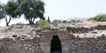 Eski Smyrna çeşmesinden 2.700 yıldır su akıyor.