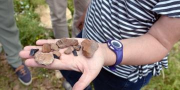 Tuncelide paleolitik döneme ait taş aletler bulundu