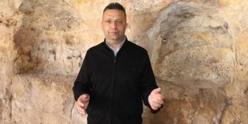 Doç. Dr. Aytaç Coşkun, Zerzevan Kalesinde Mithras Kültünü anlatacak