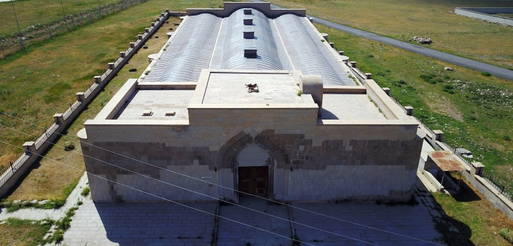 İpekyolu'da bir Selçuklu mirası: Ejder Kervansarayı