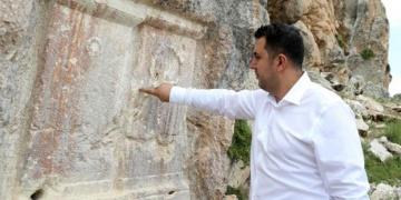 Defineciler, arkeoloji panelleri ve sempozyumlarını kaçırmıyor