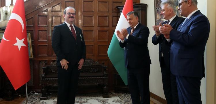 Macaristan, TİKA Başkanı'na devleti liyakat nişanı verdi