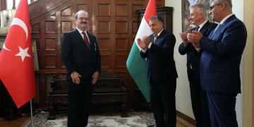 Macaristan, TİKA Başkanına devleti liyakat nişanı verdi