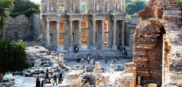 İzmir'deki müze ve ören yerlerinin gelirleri yüzde 14 arttı