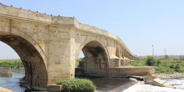 Uzunköprü restorasyon bekliyor