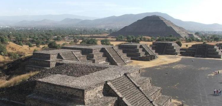 Teotihuacan'da yeraltı dünyasına giriş için açılan gizli tünel bulundu