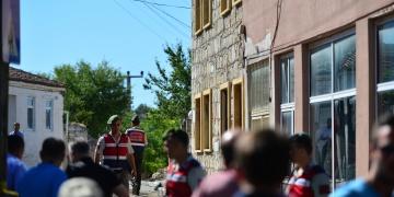 Kestiği top mermisi patlayan defineci öldü