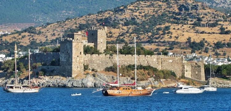 Bodrum kalesi binaları ve Sualtı Arkeoloji Müzesi yıkılacak iddiası
