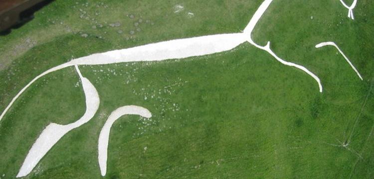 Uffington Beyaz Atı jeoglifi efsanevi güneş atı olabilir