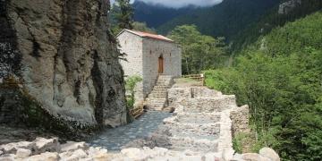 Sümelayı Aya Varvara Manastırı ikame ediyor