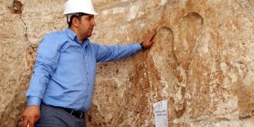 Mevlevihanedeki tarihi hamam duvarında 762 yıllık kalp figürü bulundu