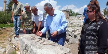 Uzuncaburç arkeoloji kazısına kaymakam teftişi