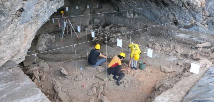 Kahramanmaraş'ta 13 bin yıllık mağara içi yapıları bulundu