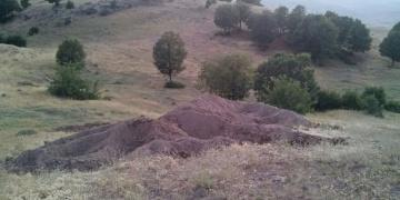 Bingölde kepçeyle Urartu mezarı ararken yakalandılar
