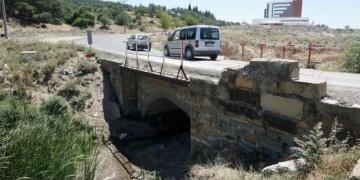 Köprü, tarihi eser olduğu anlaşılınca asfaltlanmaktan kurtarıldı