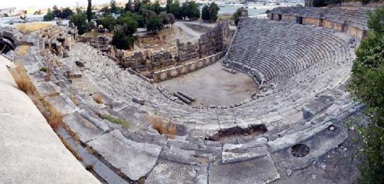 Myra Antik Tiyatrosu'nda restorasyon hazırlığı sürüyor