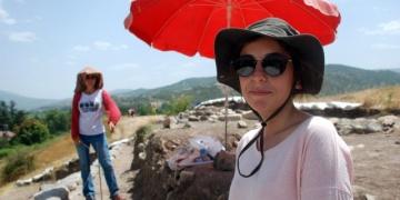 Arkeologlar 40 derece sıcaklıkta kazı çalışması yaptı