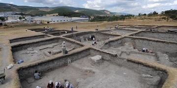 Doç. Dr. Necmi Karul: Kadın arkeoloji işçileri daha düzenli