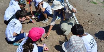 Minik arkeoglar arkeoloji kazısı yaptı