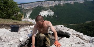 Kırımda 2 bin yıllık sunak bulundu