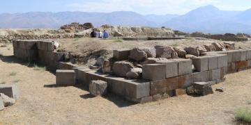 Arkeoloji kazılarına 35 yıl ara verilen kale turizme hazırlanıyor