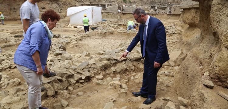 Coşkun Yılmaz: Beşiktaş arkeoloji kazıları için takvim vermek zor