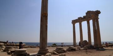 Sidedeki Apollon ve Athena Tapınakları restore edilecek