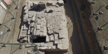 Kibyra Antik Kentinde devasa anıt mezar bulundu