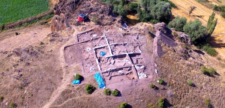 Kanlıtaş Höyüğü'nde 8 bin yıllık boya numuneleri bulundu