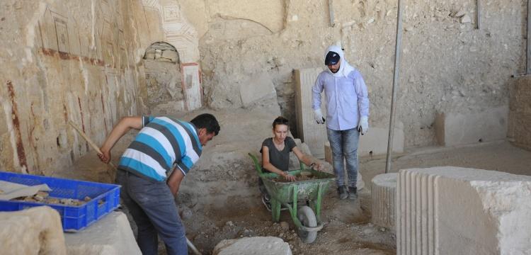 Doç. Dr. Ayşe Fatma Erol, Zeugma arkeoloji kazılarını anlattı